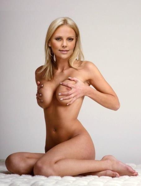 Charlize Theron Nude Sexy Boobs