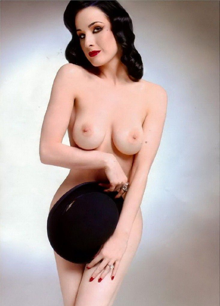 Dita Von Teese Nude Big Natural Tits Covers Pussy