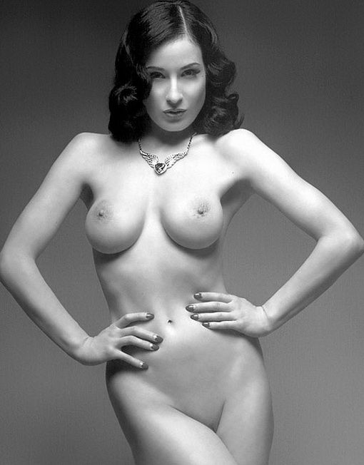 Dita Von Teese Nude Topless Photos