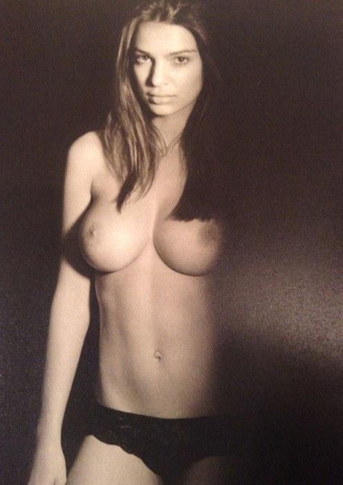 Emily Ratajkowski Nude Shows Naked Big Boobs Soft Nipples