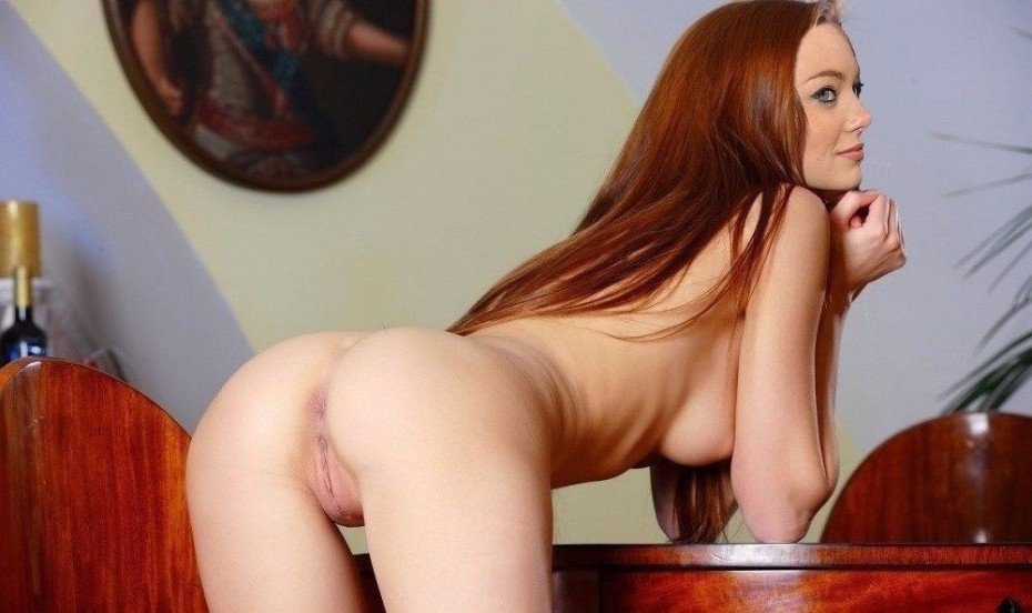 Emma Stone Nude Ass And Pussy Photos