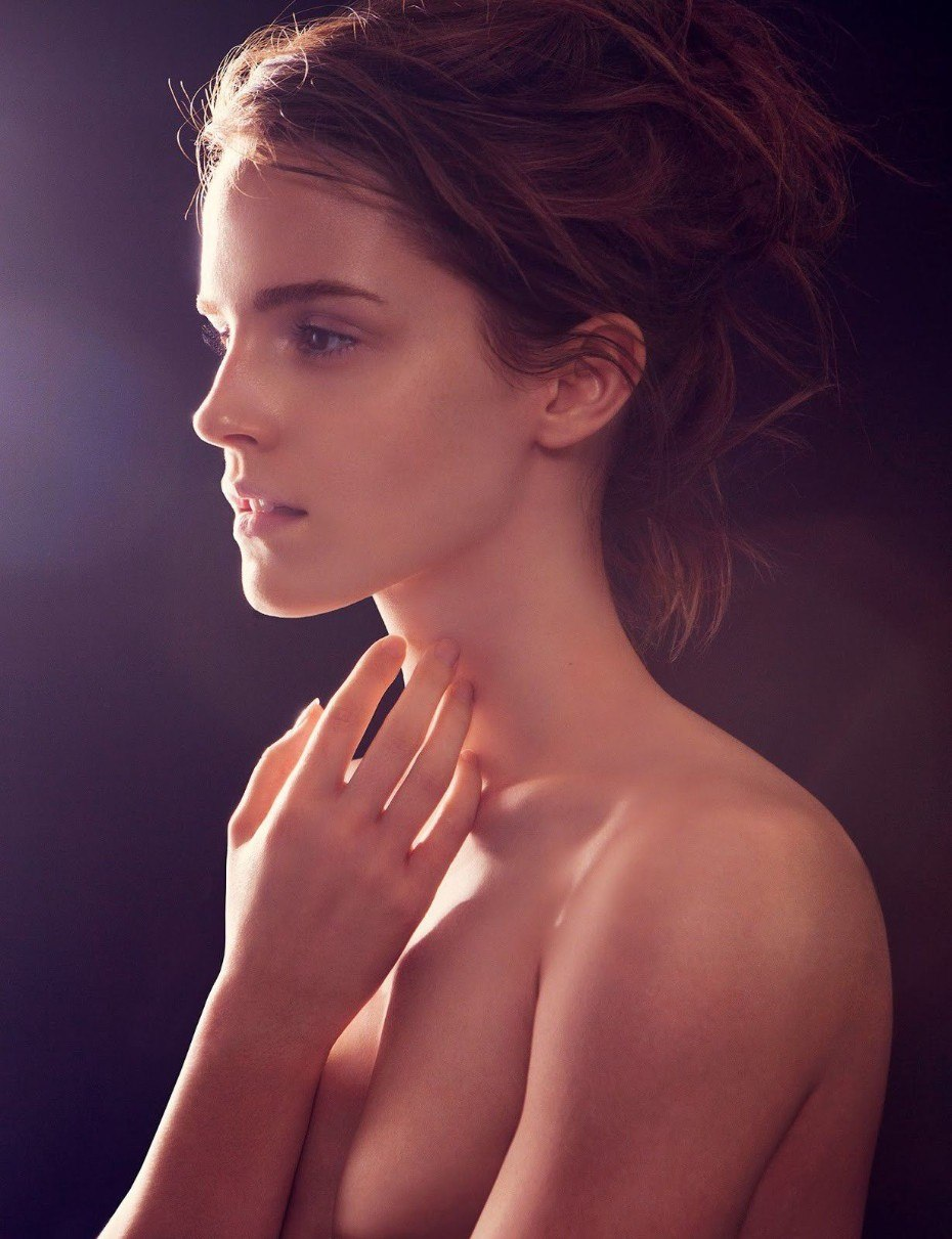 Emma Watson Completely Nude Topless Boobs Pics
