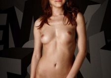 Hollywood Actress Emma Stone Naked Pics