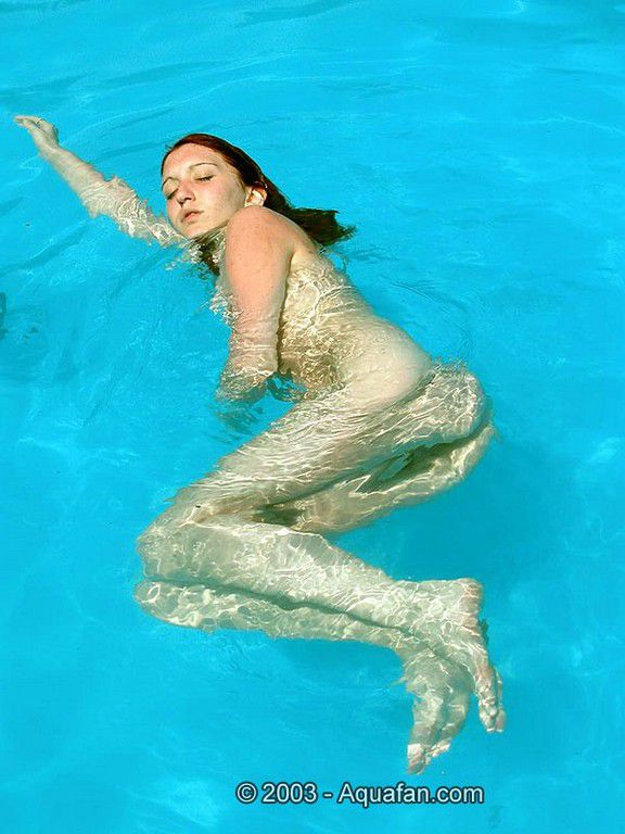 Hot Nude Girls Underwater
