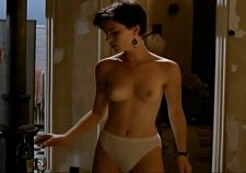 Kate Beckinsale Topless Naked In Panties