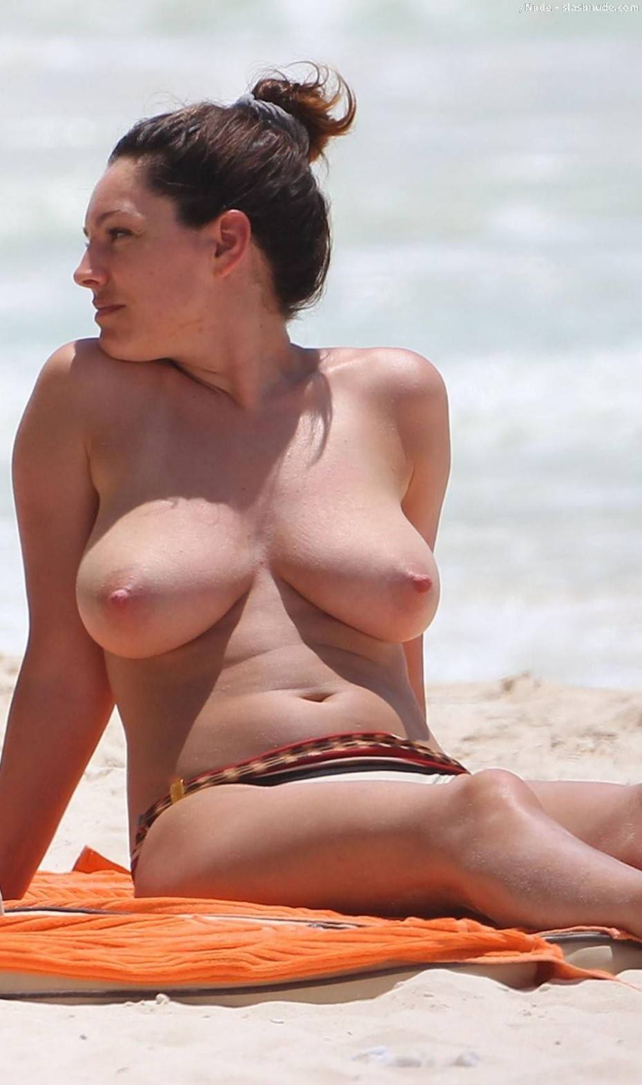 Kelly Brook Naked Big Tits Pics