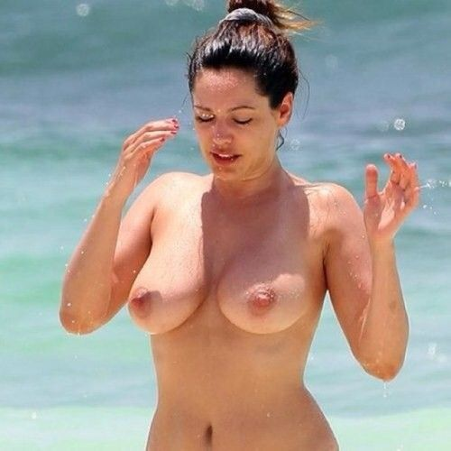 Kelly Brook Nude Topless Big Boobs