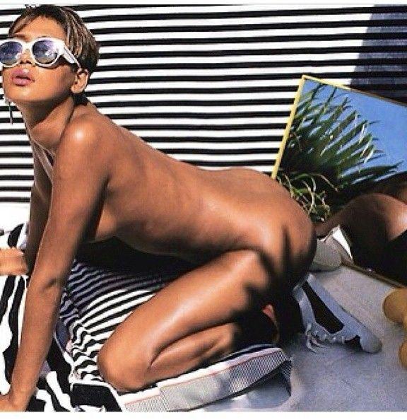 Leaked Nude Rihanna Photos Bubble Butt