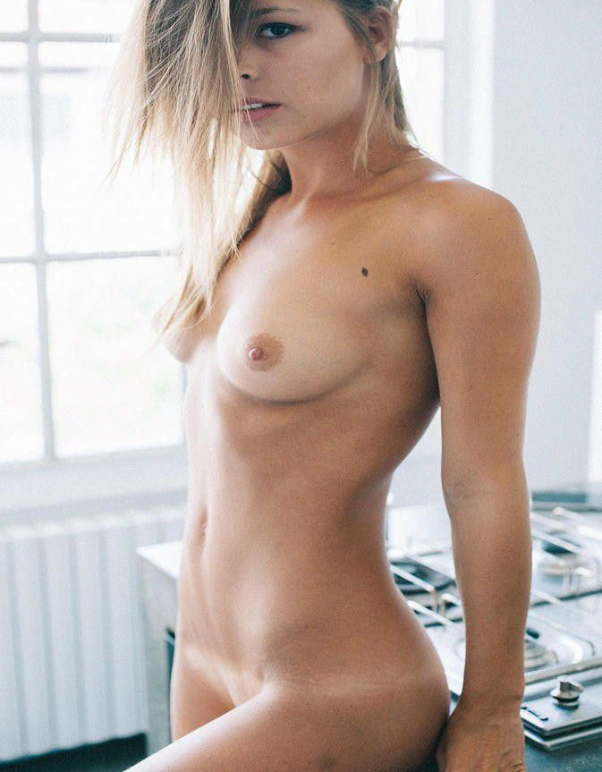 Marisa Papen Nude Tits With Hot Body
