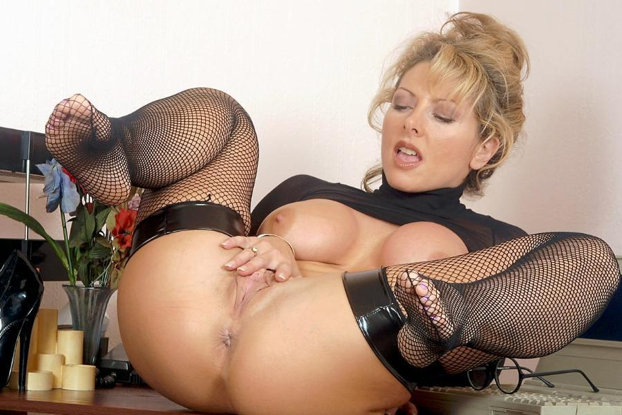 Mature Milf Shaved Pussy Spread