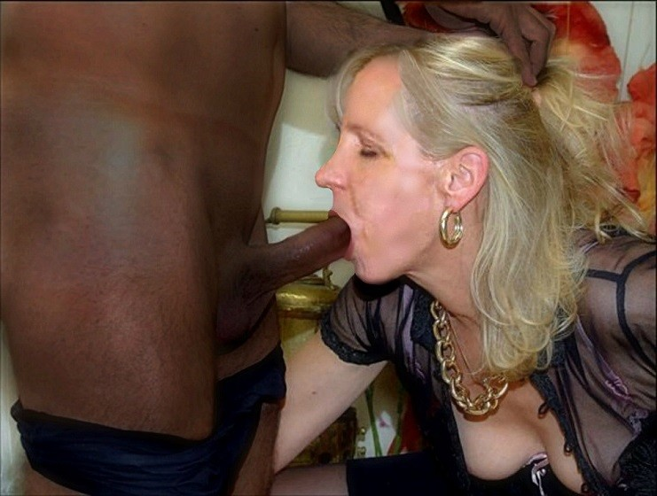 Mature White Wives Sucking Black Cock