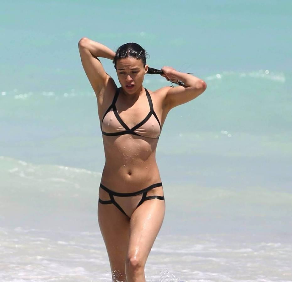 Michelle Rodriguez Nude Tits Sexy Bikini