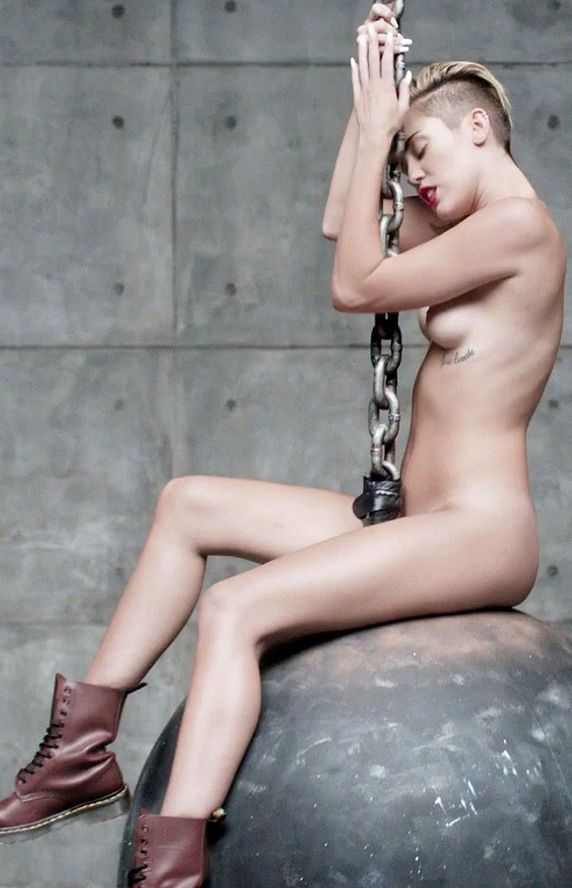 Miley Cyrus Nude Video Wrecking Ball