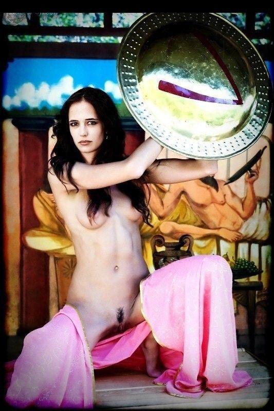 Naked Celebrity Eva Green