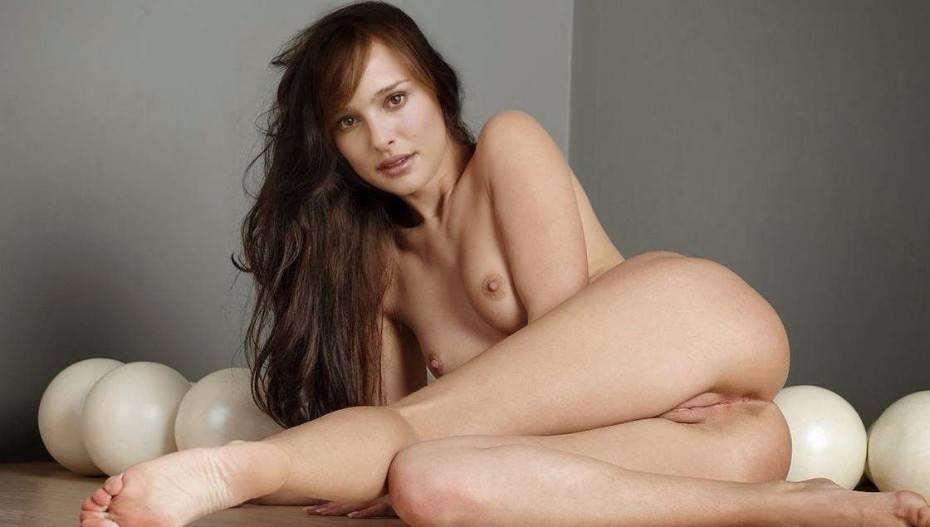 Natalie Portman American Nude Actress Boobs Pussy XXX HD Photos