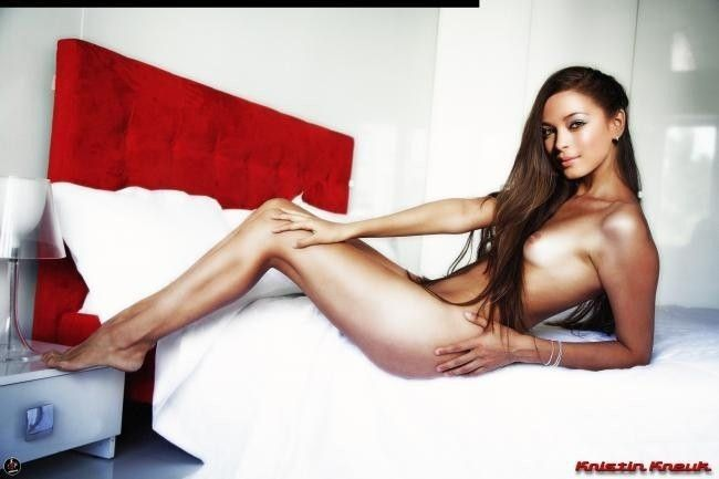 Nude Celebrity Pictures Kristin Kreuk