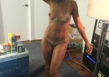 Nude Rihanna Boobs Pussy Photo