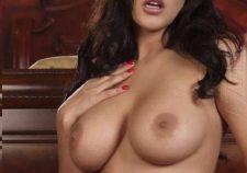 Nude Sunny Leone Boobs Image