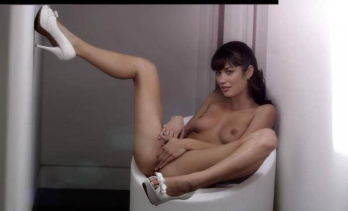 Olga Kurylenko Pussy Images