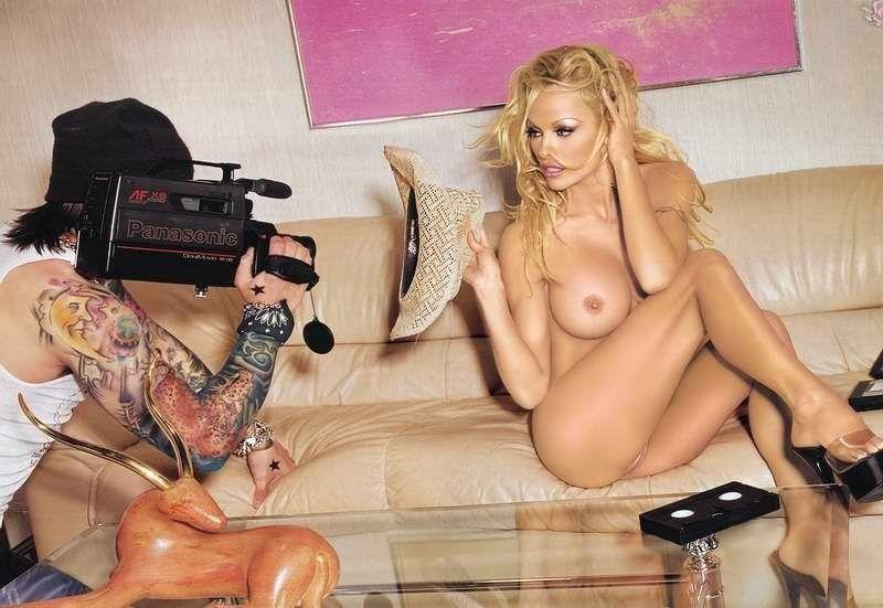 Pamela Anderson Naked Boobs Porn Pics