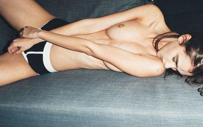 Paula Bulczynska Nude Topless Peeks Sexy Tits
