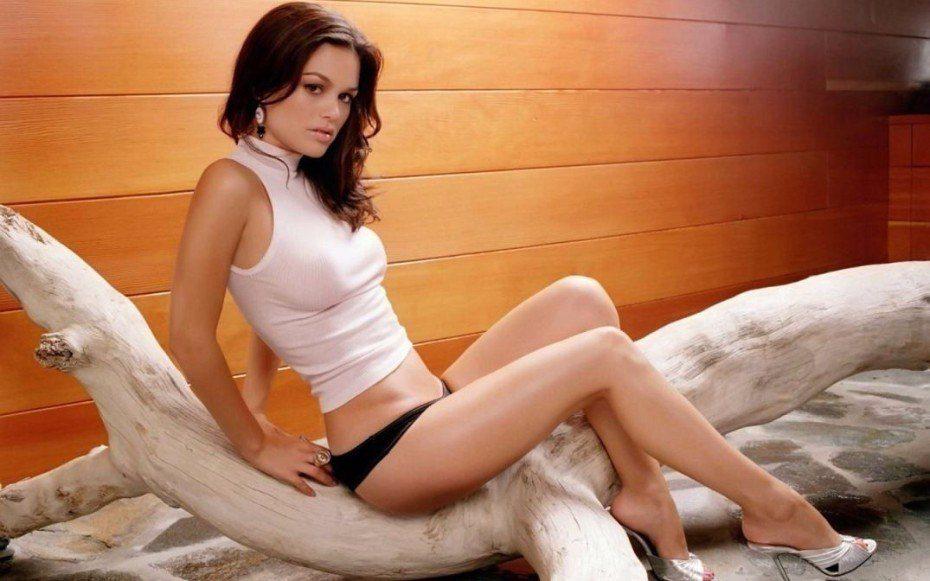 Rachel Sarah Bilson Actres Sexy Images