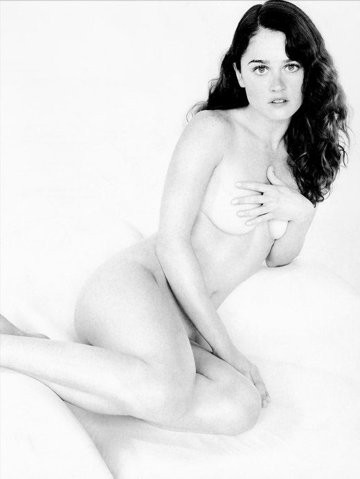 Robin Tunney Nude Covering Boobs