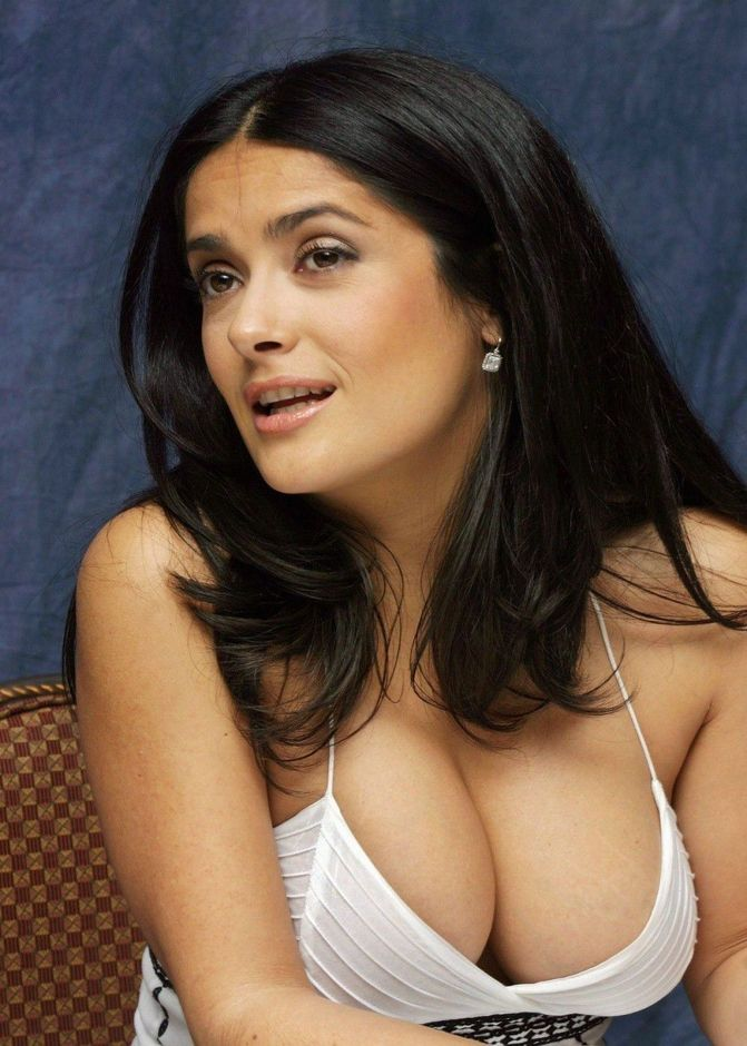 Salma Hayek Big Boobs Sexy Photo