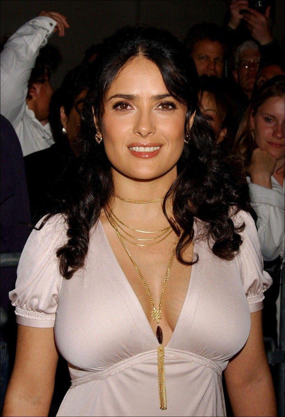 Salma Hayek Sexy Cleavage Leaked Photo