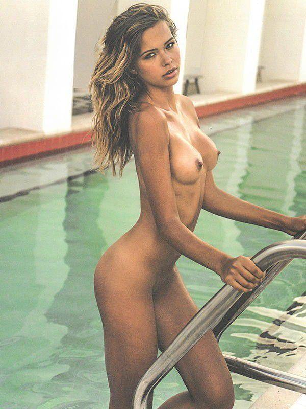 Sandra Kubicka Nude Topless