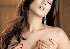 Sunny Leone Big Boobs