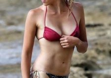 Teresa Palmer Sexy Hot Bikini Boobs Naked Pics Photo