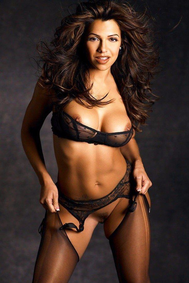 Vida Guerra Nude Big Tits And Hairy Pussy