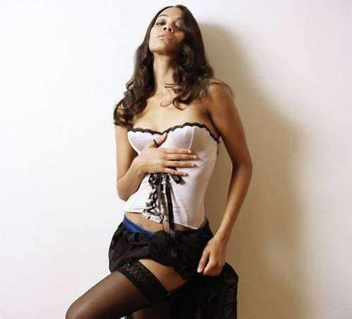 Zoe Saldana Nude Photos