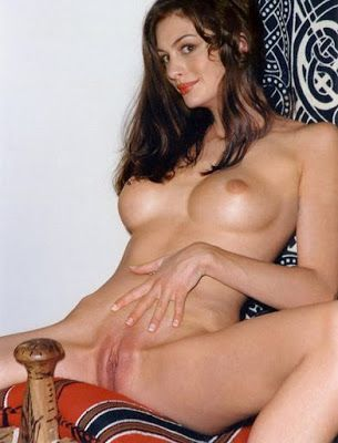 Anne Hathaway Naked Hot Pussy Boobs Photo