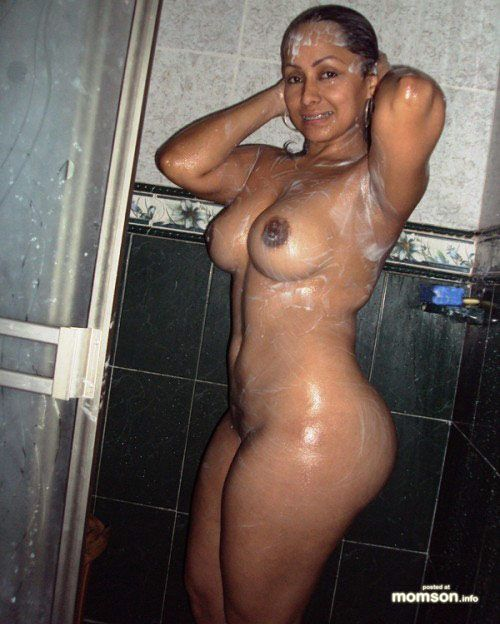 Muscular shemale tranny