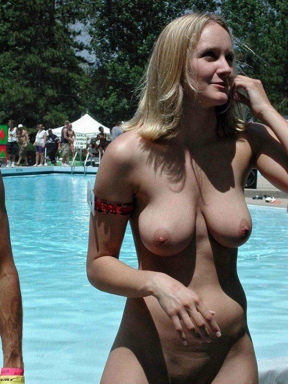Big Natural Boobs At Public Pool