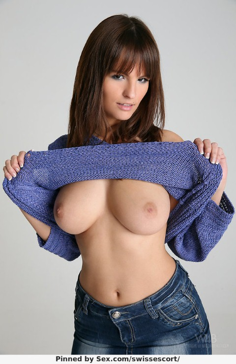 Big Titspicture Busty Jeans Girl Rita Peach Lifts Her Blue Sweater E