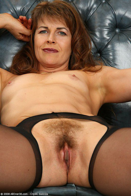 Mature 30 Year Old Woman Nude