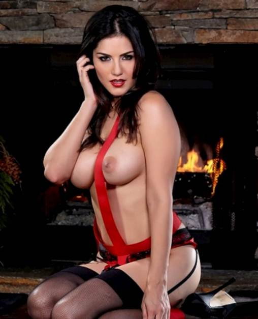Naked And Adored Sunny Leone For Christmas