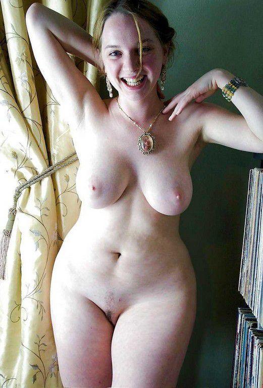 Women nude curvy Natural