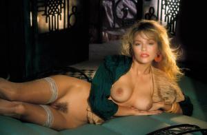 Pamela Anderson Frontal Nude