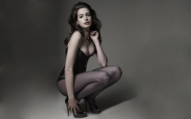 Actress Beautiful Anne Hathaway Corset Stockings Panties Heels Girl