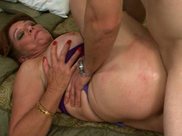 Amature Mature Women Having Sex