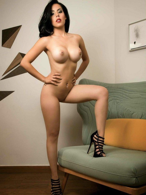 Big tits brunette Veronica Flores posing nude in high heels